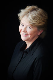 Headshot for author Sharon Hannaford